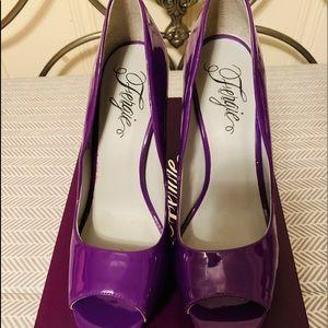 "Fergie Peeptoe 4-5""heels"